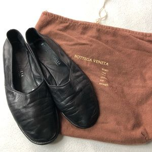 Bottega Veneta Vintage Leather Flats Black